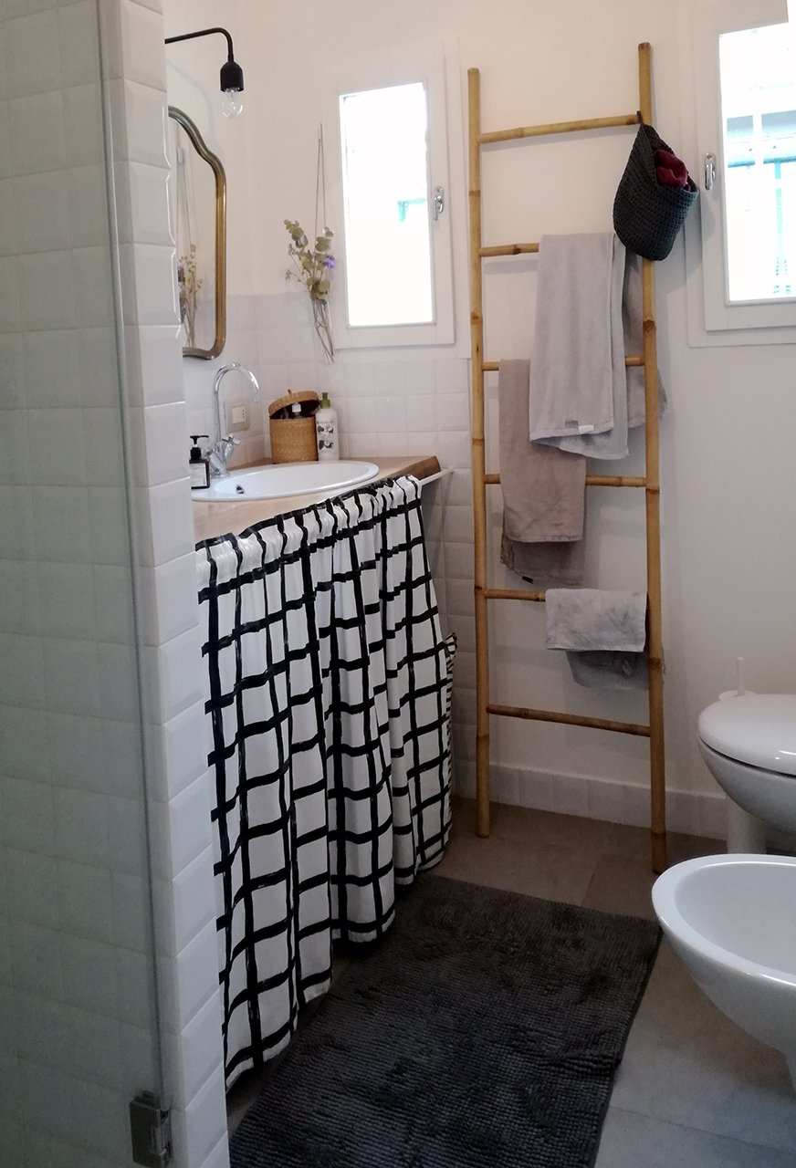 Lavatrice sotto lavandino rm81 regardsdefemmes for Arredo bagno con lavatrice