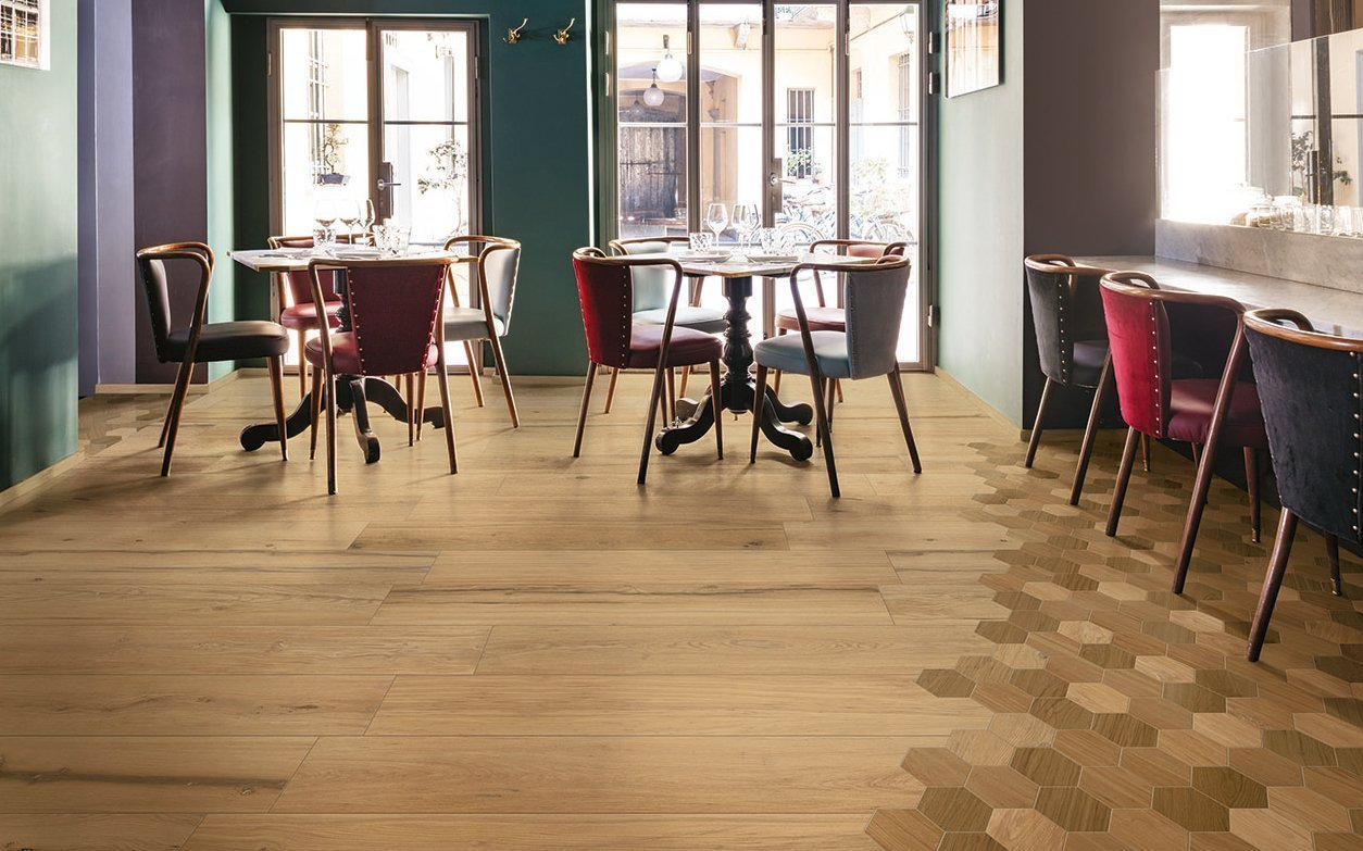 Piastrelle facili da pulire scegliere il pavimento for Pavimento senza fughe