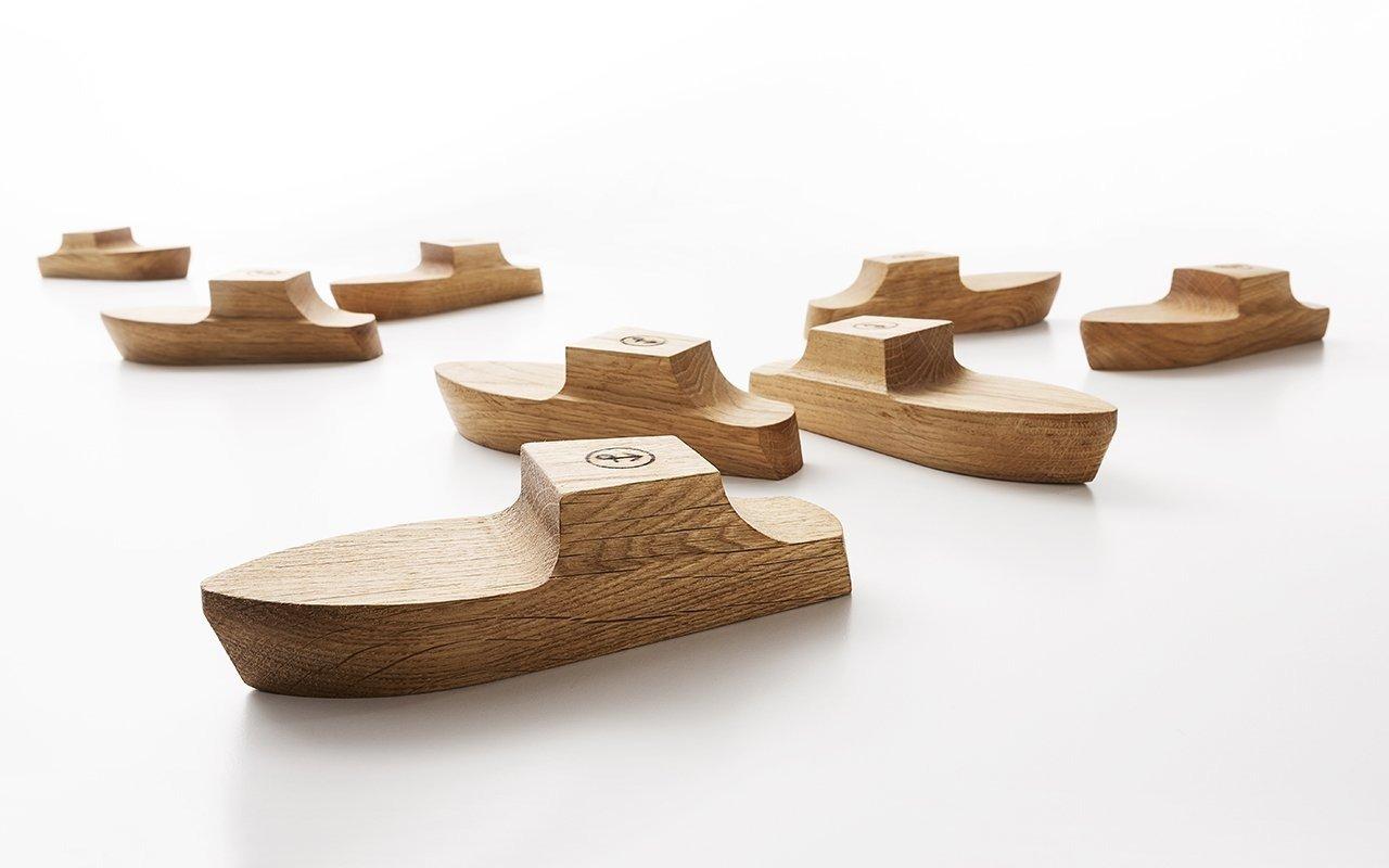 Pezzi di venezia trasformati in oggetti di design in legno for Articoli di design