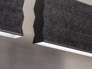 lampade fonoassorbenti strette e in materiale scuro