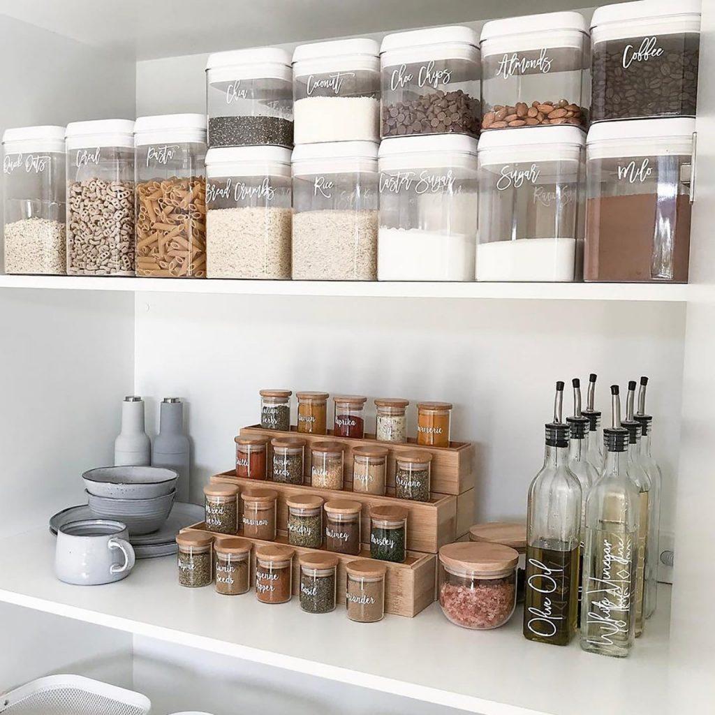 Idee Dispensa Cucina.Come Organizzare La Dispensa Della Cucina Architempore
