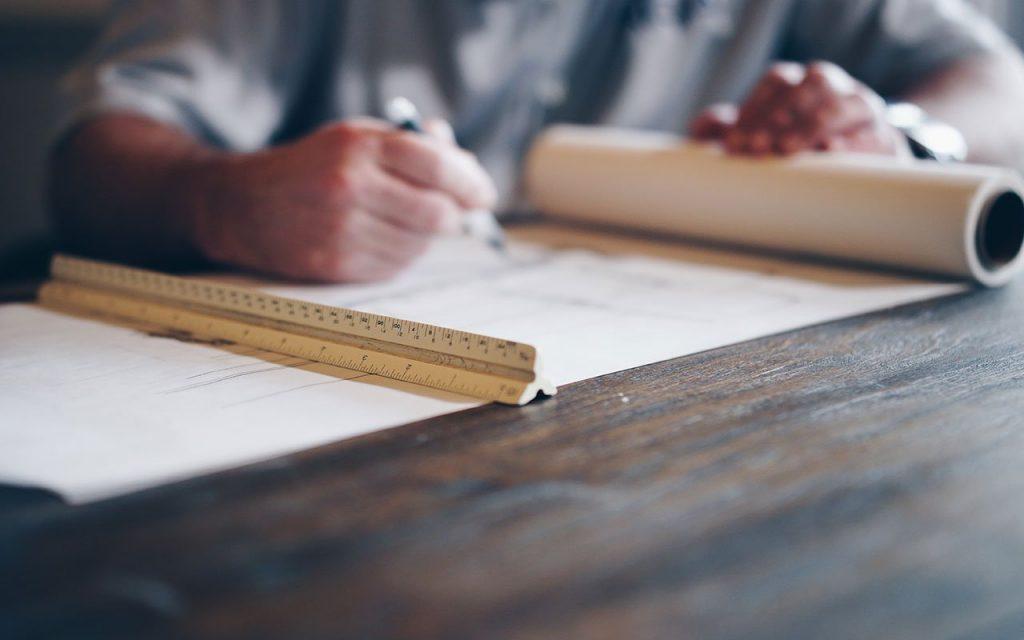 Permessi per ristrutturare casa: come fare tutto in regola