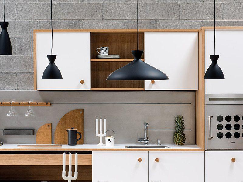 cucina moderna con miscelatori di design