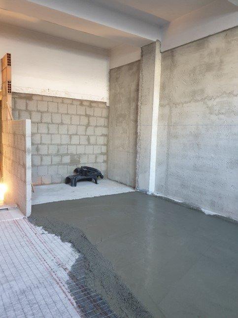 Architempore + Volteco, gli specialisti dell'impermeabilizzazione, fase di cantiere con amphibia grip 300 in posa
