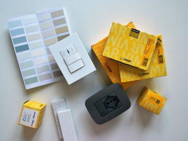 Placche Vimar Eikon Exé e Arké Metal in una moodboard di architettura e interni per una casa smart senza rifare impianto elettrico