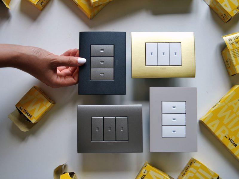Placche elettriche Vimar Arké fit in color grafite, oro, metallo e beige