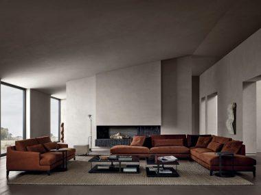 Interno contemporaneo con pareti in terra cruda naturale di Matteo Brioni, interno Poliform