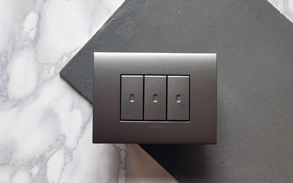 Smart home: una casa intelligente ed elegante, la promessa (mantenuta) della placca elettrica Arké fit di Vimar