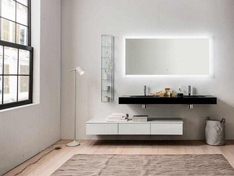 bagno arredato con materiali ecosotenibili per la casa, Regolo di Artelinea, parquet in bambù e intonaco in terra cruda