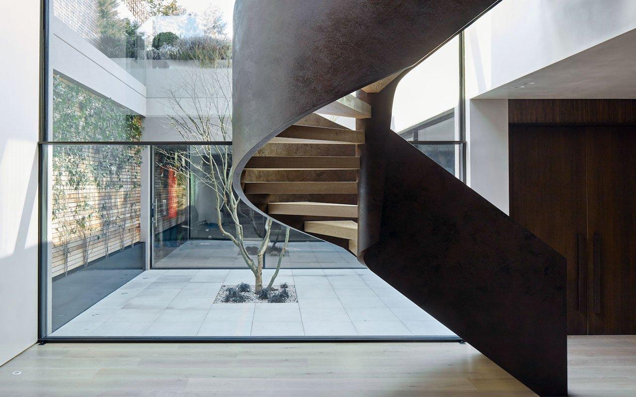 Scale: in ferro stile industriale o in legno per un look tradizionale?