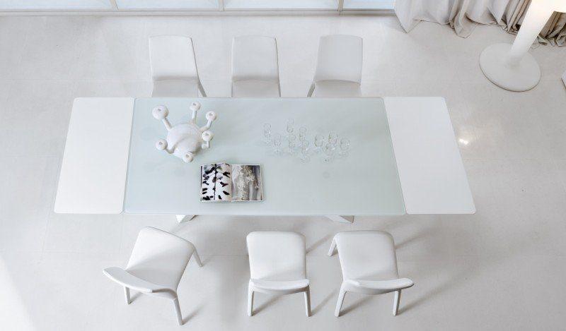 Tavoli da pranzo e consolle allungabili: 6 idee per una casa di design