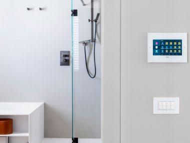 Dispositivi di supervisione e connettività: le scelte di design di Vimar per una casa semplice e sicura
